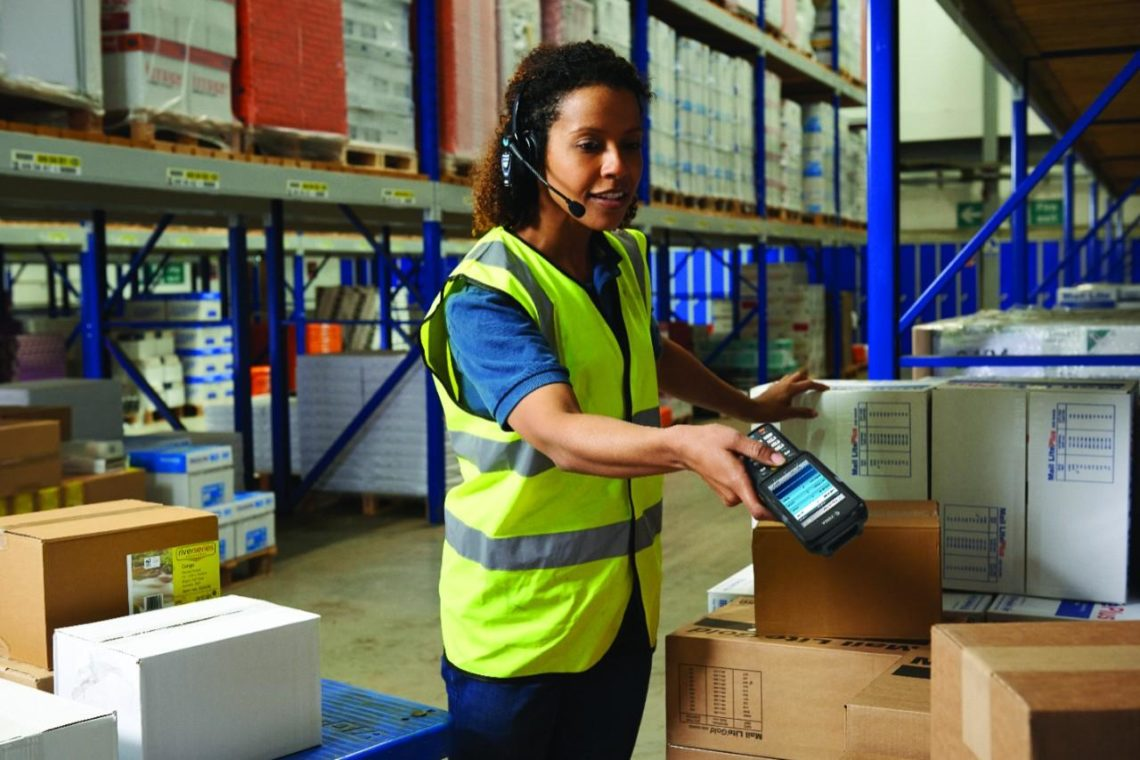 MC3300 Communication - Scanning and Talking using the MC3300 in a Warehouse