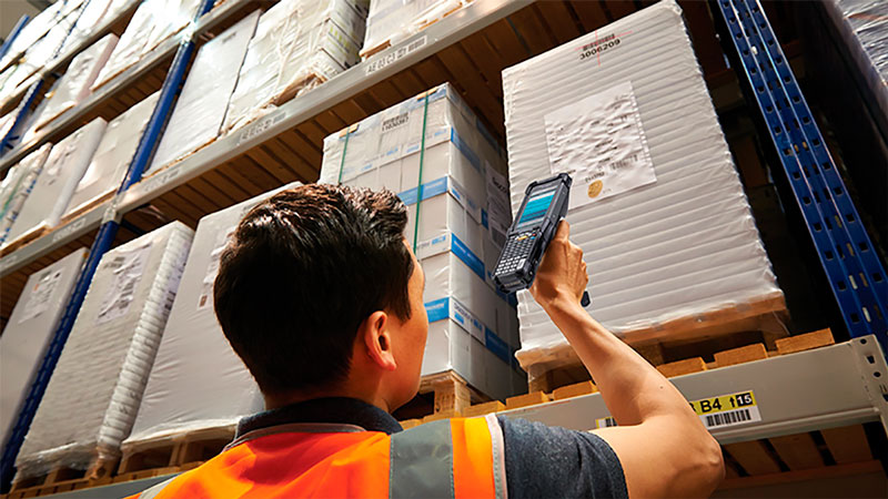 The MC9300 Scanning Barcode in Warehouse